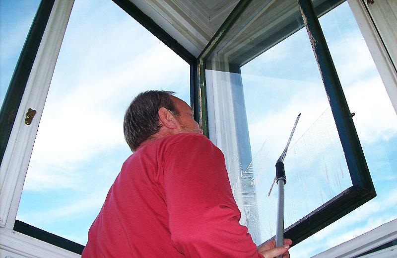Umývanie výkladov, okien aj vo výške Prešov