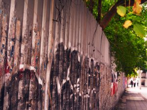 Odstránenie graffiti z prírodného kameňa